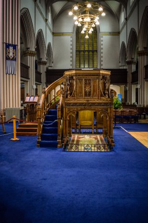 Dunfermline, UK: The pulpit above the tomb of Robert the Brucce