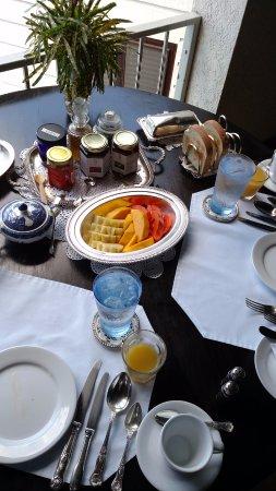Bluefields, Τζαμάικα: Fresh fruit for breakfast - delish!