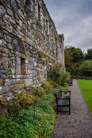 Dollar, UK: Campbell Castle gardens