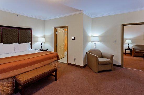 DeSoto, TX: Suite