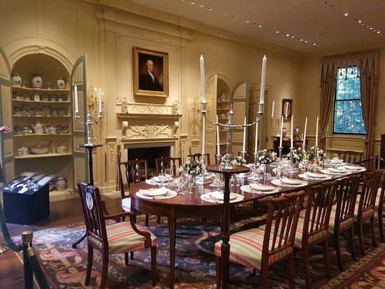 Winterthur, DE: dining room