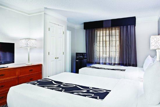 Champaign, IL: Guest Room