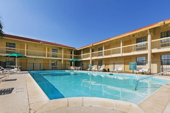 Eagle Pass, TX: PoolView