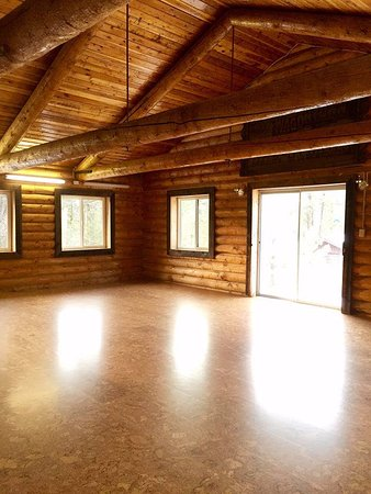 Pine, ID: The Beautiful and Rustic Yoga Studio at Trinity Hot Springs