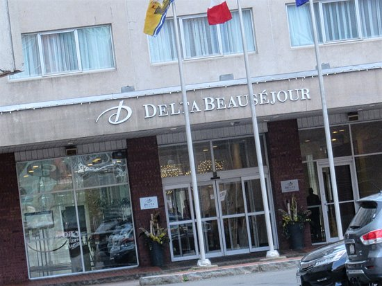 Delta Hotels by Marriott Beausejour: The front door is not on the Main Street.