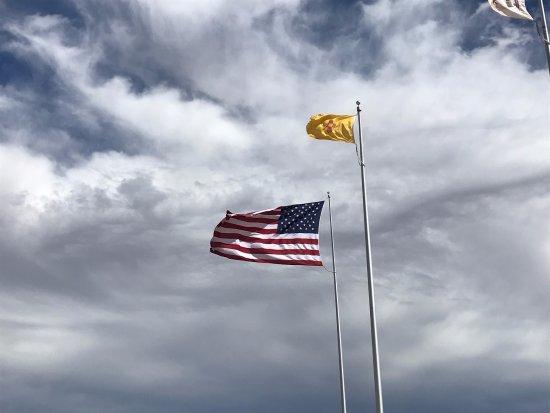Teec Nos Pos, AZ: Flags flying.