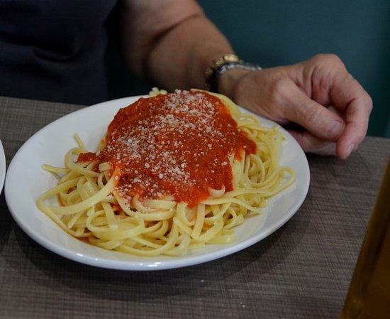 Cornelius, Kuzey Carolina: Spaghetti with Red Sauce