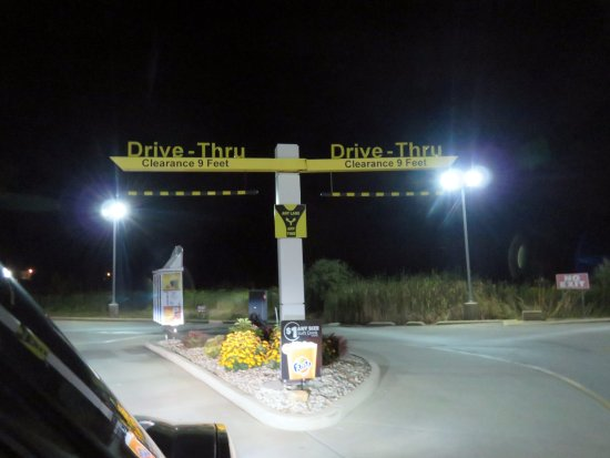 Rensselaer, IN: dual lane drive-thru for McDonald's