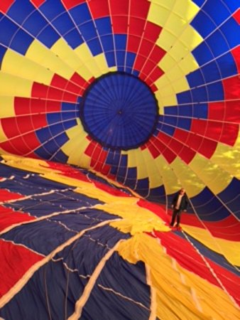 Rocky Mountain Balloon Adventures, LLC: It's a HUGE balloon!!!!