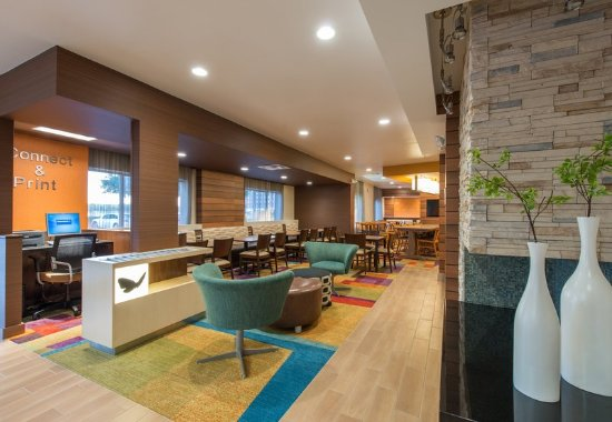 Lewisville, TX: Lobby – Sitting Area