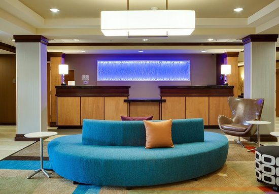 Lake City, FL: Lobby