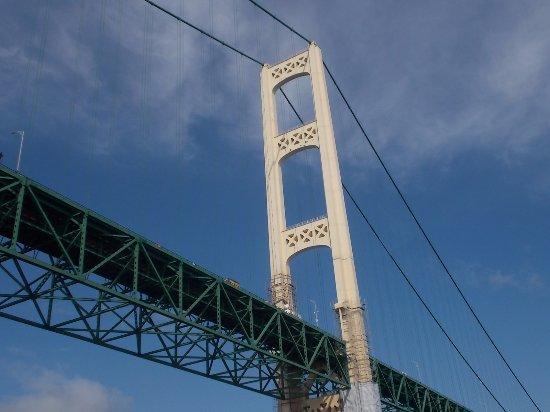 แมกคินนอว์ซิตี, มิชิแกน: Mackinac Bridge, I-75 across the Straits of Mackinac, MI.