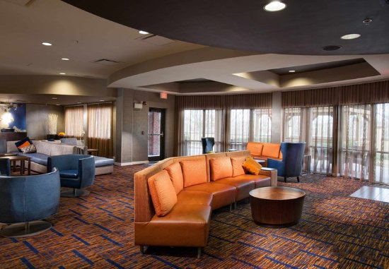 Fayetteville, AR: Lobby Lounge Seating