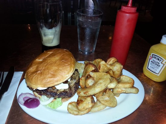 Carver Brewing Co.: bison burger with different but good fries