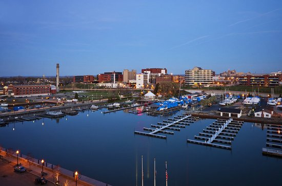 Sheraton Erie Bayfront Hotel: Local Area