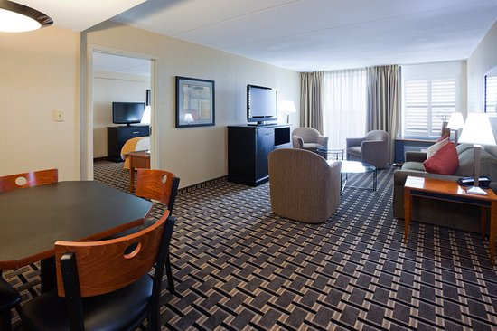 Wauwatosa, WI: Radisson Milwaukee West Suite