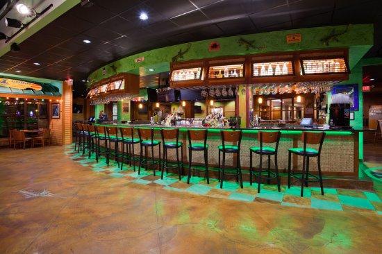 Wauwatosa, WI: Radisson Milwaukee West Lounge