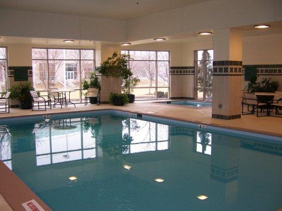 Moline, IL: Pool