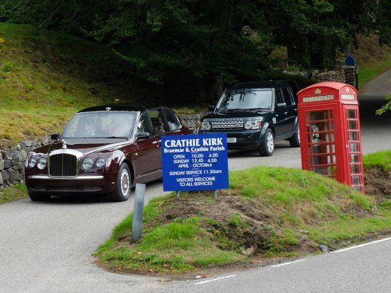 Aviemore and the Cairngorms, UK: Queenspotting, Balmoral on a Sunday