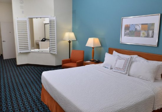 Effingham, IL: King Spa Guest Room