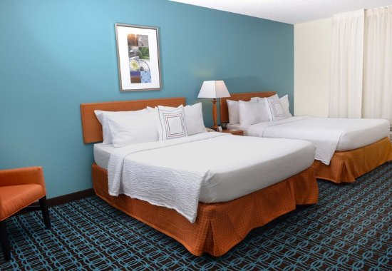 Effingham, IL: Queen/Queen Guest Room
