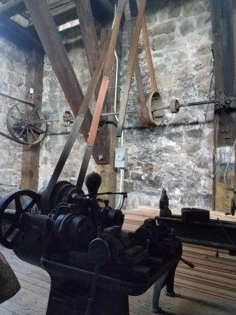 Yakima, WA: More belt-driven machines in the trolley barn