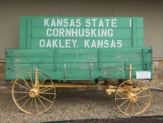 Oakley, KS: Circa 1925 moving wagon