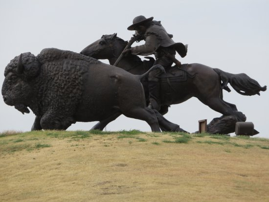 Oakley, KS: Enormous sculpture of Buffalo Bill