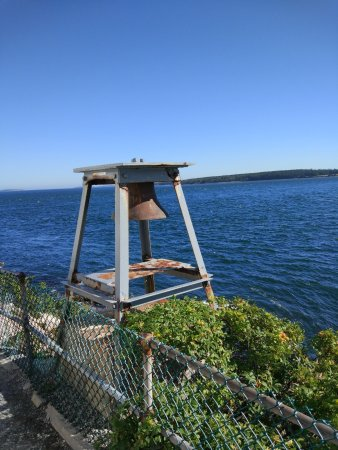 Bass Harbor light, bell and the views.