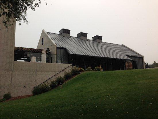 แคมลูปส์, แคนาดา: Modern winery building