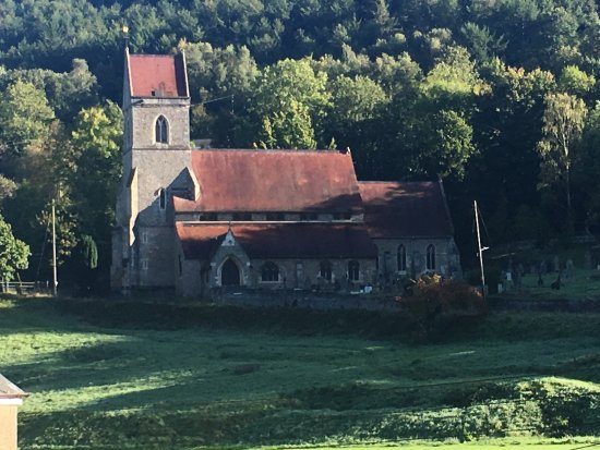 Lydbrook, UK: Beautiful church nestling in valley adjacent to pub.
