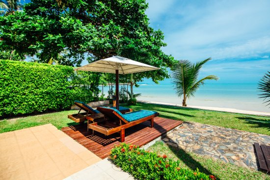 ลิปะน้อย, ไทย: Beach front villa private garden view