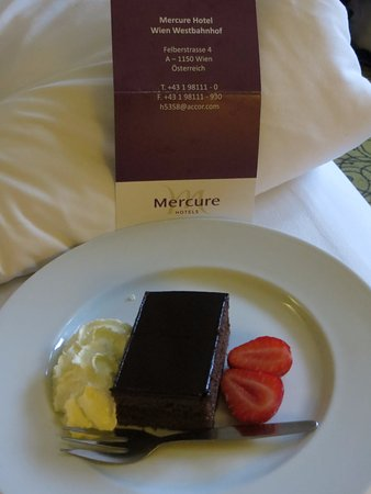 Hotel Mercure Wien Westbahnhof: Supper time appreciated