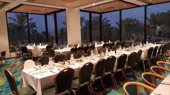Gai Beach Resort Spa Hotel: חלק מחדר האוכל לפני ארוחת החג-ראש השנה