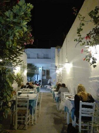 Hotel Capetan Giorgantas : received_10156063071332697_large.jpg