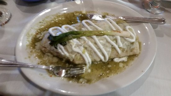 Sherman, Ιλινόις: Wet burrito with green sauce