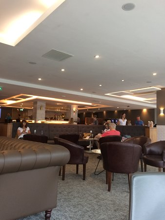 Horley, UK: The Lounge