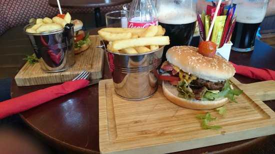 Ennis, Irlanda: pub 1