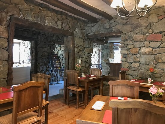 Lares de Chacras: A view of the dining room