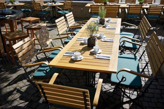 fr hst ck auf der terrasse picture of restaurant esszimmer im rathaus fellbach tripadvisor. Black Bedroom Furniture Sets. Home Design Ideas