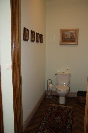 Les Buis: separate Toilette