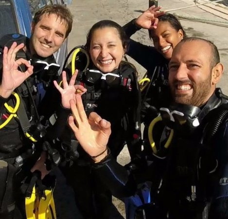 St. Paul's Bay, Malta: Happy Divers