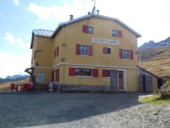 Province of Sondrio, Italie : bei der Vorbeifahrt