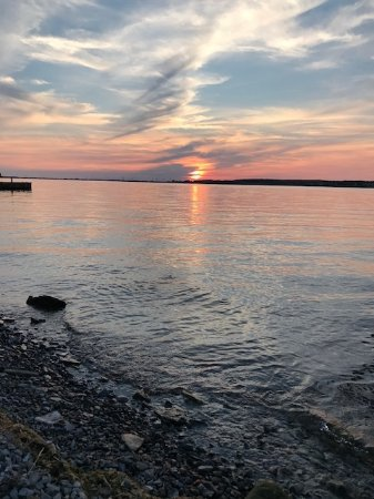 Cape Vincent, NY: Angel Rock Cottage sunset from the dock