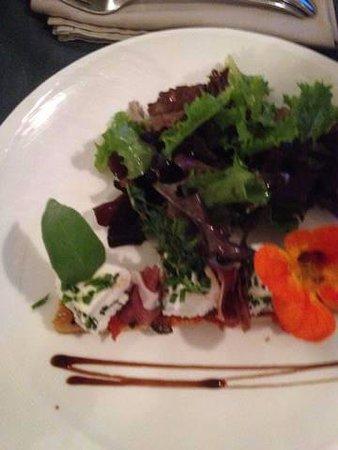 Hirsingue, France : Salade de chèvre et jambon cru