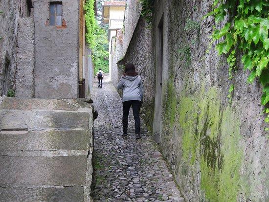 Colonno, Italia: along the way