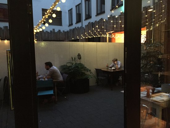 25hours Hotel by Levi's: beer garten