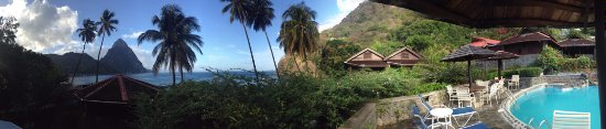 Hummingbird Beach Resort Photo