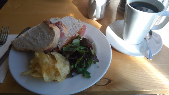 Kirkharle, UK: Ham Sandwich With Red Onion