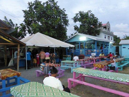 Gros Islet, Sta. Lucía: avant la foule